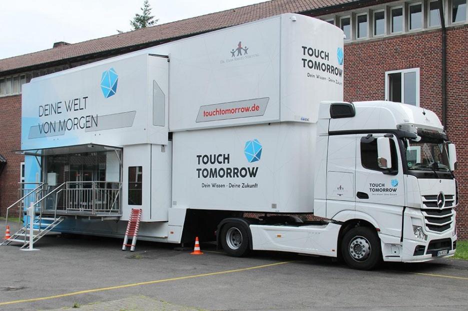 Die Zukunft Von Morgen? – Der MINT- Truck An Der Loburg